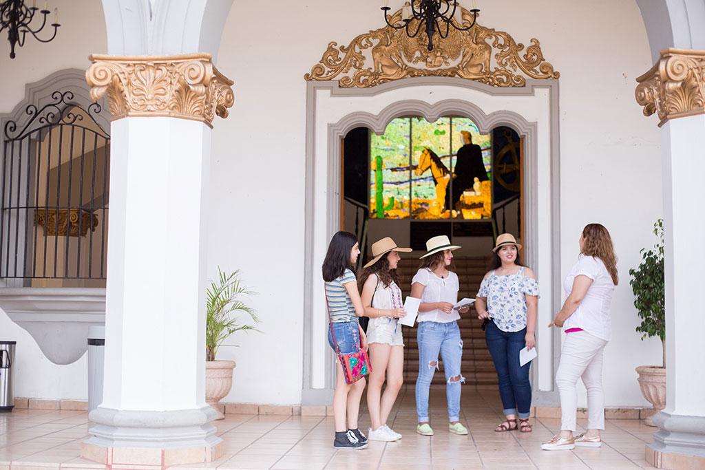 Salón Presidentes dentro del Palacio Municipal, Magdalena de Kino, Sonora.