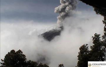 En las últimas 24 horas por medio de los sistemas de monitoreo del volcán Popocatépetl se identificaron 187 exhalaciones, acompañadas de vapor de agua, gas y bajas cantidades de ceniza.