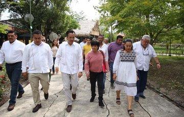 """Construcción de viviendas para el programa """"Sembrando Vidas""""."""