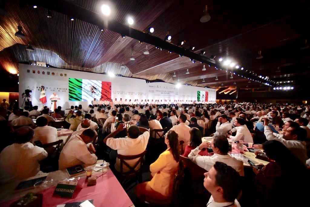 El presidente de México, Andrés Manuel López Obrador, durante el Pacto Oaxaca. Hacia un Sur Sureste del Futuro.