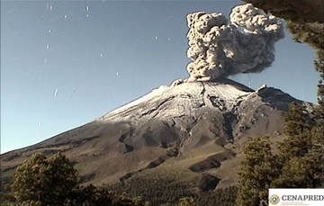 En las últimas 24 horas por medio de los sistemas de monitoreo del volcán Popocatépetl se identificaron 188 exhalaciones,  siete explosiones, 790 minutos de tremor y un sismo volcanotectónico.
