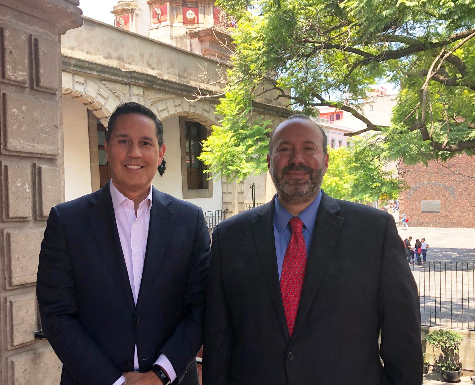 """Programa de radio """"Retos y oportunidades de la diplomacia consular mexicana"""""""