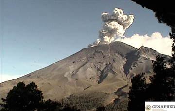 En las últimas 24 horas por medio de los sistemas de monitoreo del volcán Popocatépetl se identificaron 271 exhalaciones, acompañadas de vapor de agua, gas y bajas cantidades de ceniza. Además, se registraron tres explosiones  moderadas.