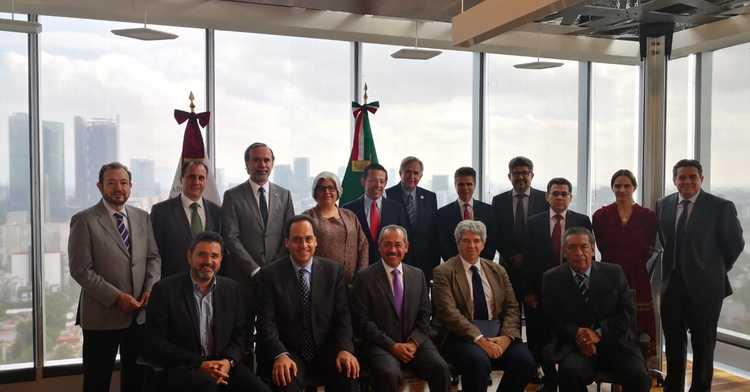 Presentan a Secretaría de Economía Proyecto Interinstitucional de Desarrollo de la Cuenca Lechera Sur- Sureste que integra la participación de FIRA.