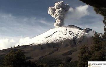 En las últimas 24 horas por medio de los sistemas de monitoreo del volcán Popocatépetl se identificaron 171 exhalaciones, acompañadas de vapor de agua, gas y bajas cantidades de ceniza.