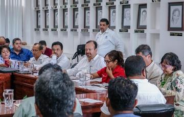 Los acuerdos fueron alcanzados en la mesa de trabajo intersecretarial con productores que se manifestaron en el canal de navegación del puerto de Lázaro Cárdenas.