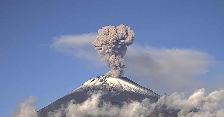 En las últimas 24 horas, por medio de los sistemas de monitoreo del volcán Popocatépetl se identificaron 204 exhalaciones, acompañadas de gas y ligeras cantidades de ceniza.