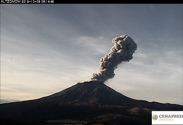 Por medio de los sistemas de monitoreo del volcán Popocatépetl se identificaron 177 exhalaciones, acompañadas de gases y ligeras cantidades de ceniza. Además, se registraron 3 explosiones moderadas