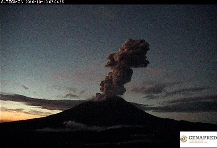 Por medio de los sistemas de monitoreo del volcán Popocatépetl se identificaron 207 exhalaciones, dos explosiones moderadas, 567 minutos de tremor y un sismo volcanotectónico.