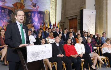 La herramienta fundamental de trabajo en el sector educativo ha sido el diálogo y la reconciliación: Esteban Moctezuma Barragán