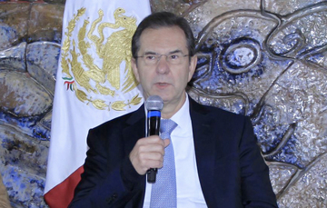 Sin sustento legal decir que la educación pública se entregó a un grupo sindical y que no habrá evaluaciones: Moctezuma Barragán