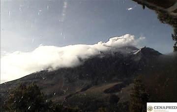 Por medio de los sistemas de monitoreo del volcán Popocatépetl se identificaron 176 exhalaciones, acompañadas de gases y ligeras cantidades de ceniza. Además se identificaron cinco explosiones registradas, 225 minutos de tremor y un sismo volcanotectonico