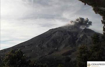 Por medio de los sistemas de monitoreo del volcán Popocatépetl se identificaron 211 exhalaciones, acompañadas de ligeras cantidades de ceniza. Así mismo, se presentaron cuadro explosiones.