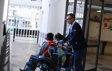 Servicios y atención a personas con discapacidad