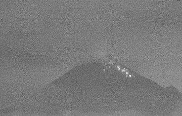 El sistema de monitoreo registró en las últimas 24 h 162 exhalaciones,  2 explosiones menores y 417 minutos de tremor.