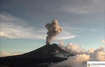 Por medio de los sistemas de monitoreo del volcán Popocatépetl se identificaron 226 exhalaciones, 16 explosiones menores, dos explosiones moderadas y 335 minutos de tremor.