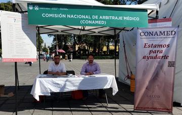 """Stand de la CONAMED  en la Feria de la Salud Intercultural """"Juntos por el Derecho a la Salud""""."""