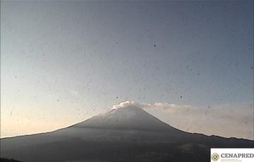 Por medio de los sistemas de monitoreo del volcán Popocatépetl se identificaron 342 exhalaciones y 208 minutos de tremor.