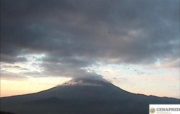 Por medio de los sistemas de monitoreo del volcán Popocatépetl se identificaron 267 exhalaciones y 188 minutos de tremor.