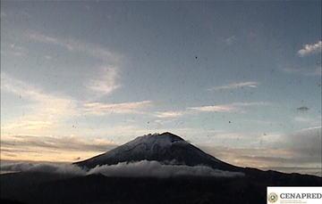 Por medio de los sistemas de monitoreo del volcán Popocatépetl se identificaron 252 exhalaciones y 196 minutos de tremor.