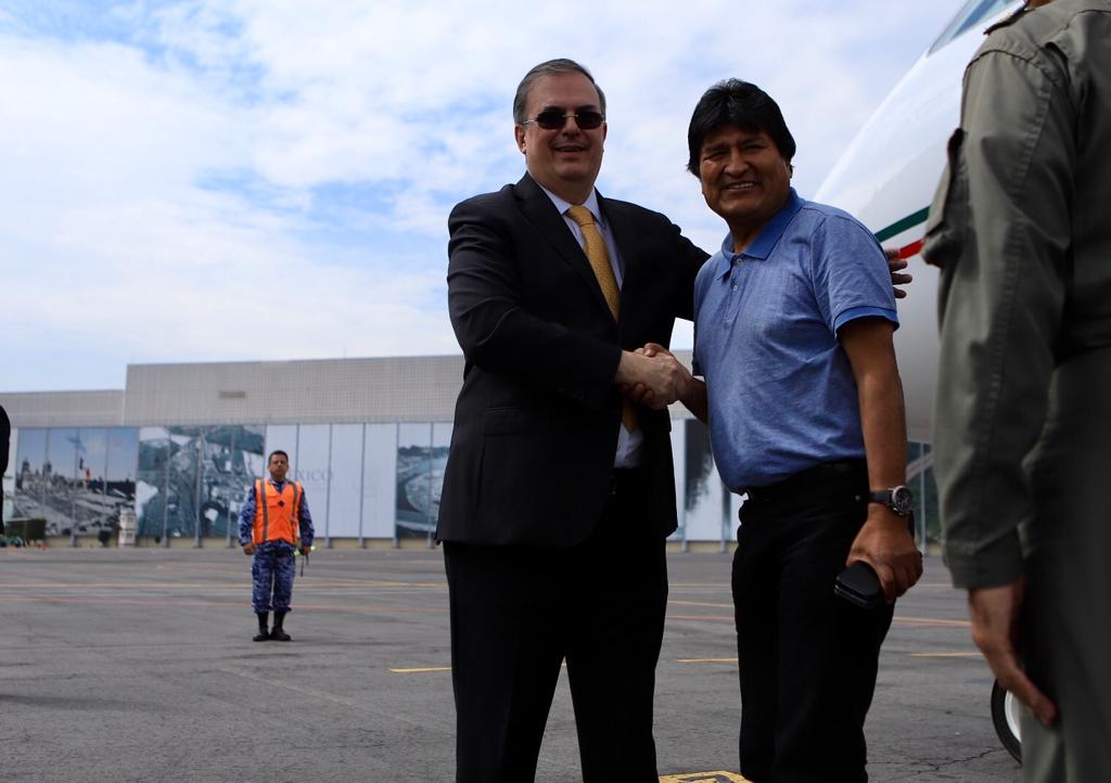 Foreign Secretary Marcelo Ebrard receives Evo Morales on his arrival to Mexico