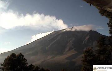 Por medio de los sistemas de monitoreo del volcán Popocatépetl se identificaron 206 exhalaciones, acompañadas de gases y en ocasiones ligeras cantidades de ceniza. Adicionalmente, se registraron 58 minutos de tremor de baja amplitud.
