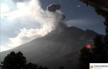 Por medio de los sistemas de monitoreo del volcán Popocatépetl se identificaron 60 exhalaciones, 27 minutos de tremor y dos explosiones.
