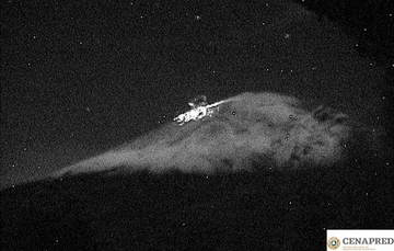 Por medio de los sistemas de monitoreo del volcán Popocatépetl se identificaron 221 exhalaciones, 297 minutos de tremor una explosión moderada y tres sismos volcanotectónicos.