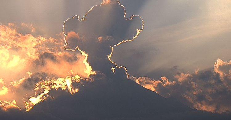 Por medio de los sistemas de monitoreo del volcán Popocatépetl se identificaron 239 exhalaciones, dos explosiones y 63 minutos de tremor.