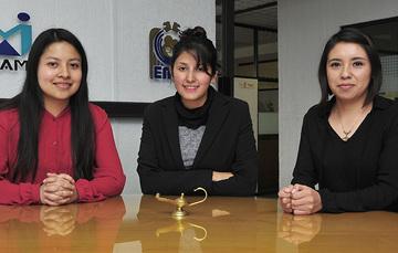 P.S.S. en Enfermería Dafne Liseth Romero Gutiérrez,  P.S.S. en Enfermería María Estela Molina Jiménez  y   P.S.S. en Enfermería María Fernanda Meza Galindo