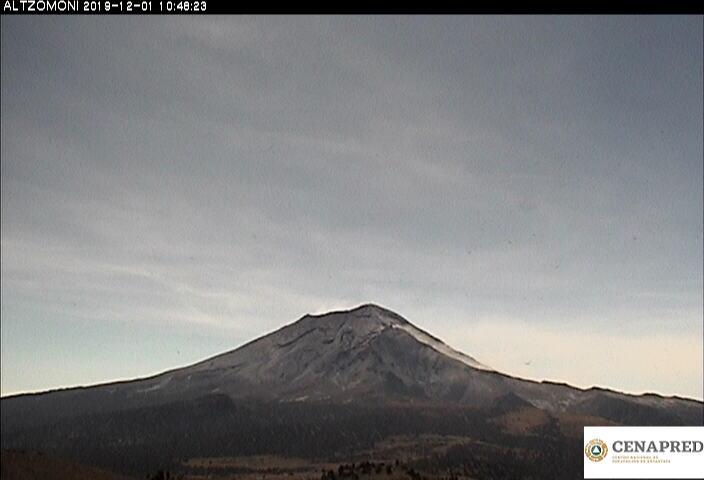 Por medio de los sistemas de monitoreo del volcán Popocatépetl, en las últimas 24 horas se identificaron 185 exhalaciones, acompañadas de vapor de agua, gases y en ocasiones ligeras cantidades de ceniza.