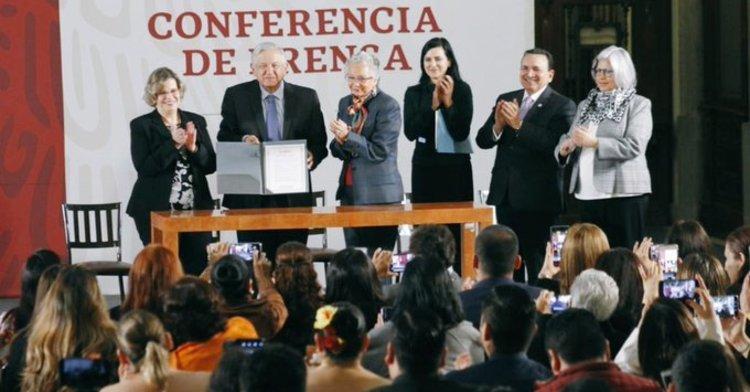 Firma del Acuerdo por la Igualdad entre Mujeres y Hombres
