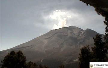 El sistema de monitoreo registró en las últimas 24 horas 170 exhalaciones y un sismo volcanotectónico ayer a las 9:35 h de magnitud calculada 1.2.