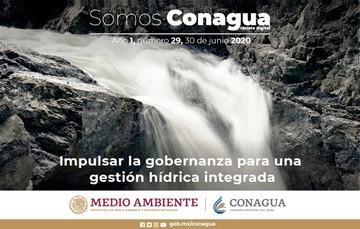 Imagen en la que se ve una cascada (caída de agua sobre unas rocas). Título: Impulsar la gobernanza para una gestión hídrica integrada.