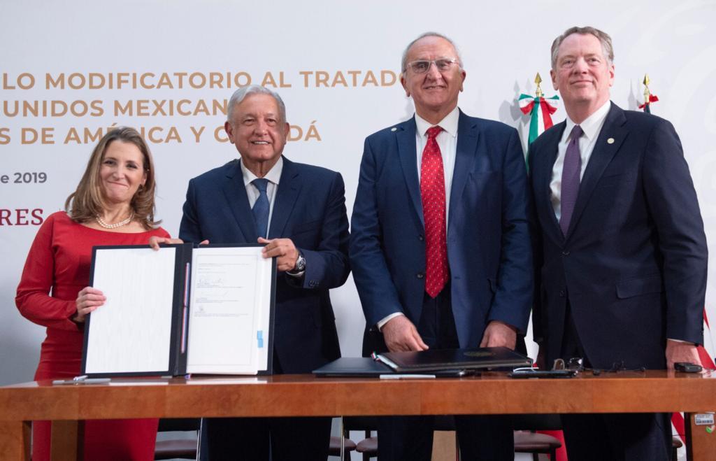 Firma del Protocolo Modificatorio al Tratado entre México, Estados Unidos y Canadá.