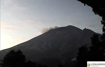 Por medio de los sistemas de monitoreo del volcán Popocatépetl se identificaron 120 exhalaciones y dos sismos volcanotectónicos