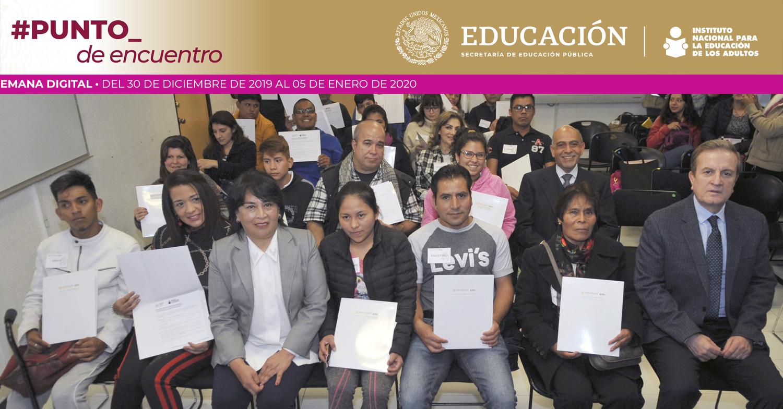 Reciben usuarios certificados y constancias de alfabetización