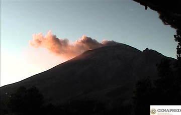 Por medio de los sistemas de monitoreo del volcán Popocatépetl se identificaron 210 exhalaciones compuestas de vapor de agua, gases volcánicos y bajo contenido de ceniza y  156 minutos de tremor de baja amplitud