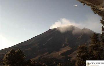 Por medio de los sistemas de monitoreo del volcán Popocatépetl se identificaron 268 exhalaciones compuestas de vapor de agua, gases volcánicos y bajo contenido de ceniza. También se registraron 90 minutos de tremor, un VT y una explosión.