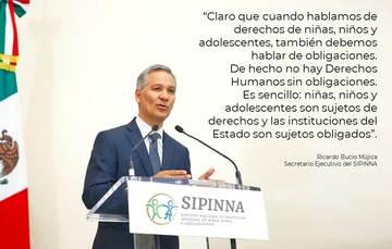 Ricardo Bucio expone el tema de derechos de niñez y adolescencia.
