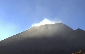 Por medio de los sistemas de monitoreo del volcán Popocatépetl se identificaron 172 exhalaciones compuestas de vapor de agua y gases volcánicos.