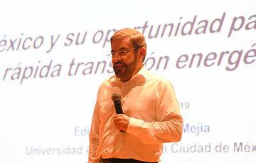 Conferencia sobre la emergencia climática global que enfrenta el mundo y la situación energética del país