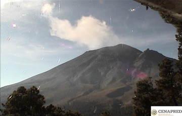 Por medio de los sistemas de monitoreo del volcán Popocatépetl, se identificaron 186 exhalaciones compuestas de vapor de agua y gases volcánicos. Adicionalmente se registraron 10 minutos de tremor y tres sismos volcanotectónicos.