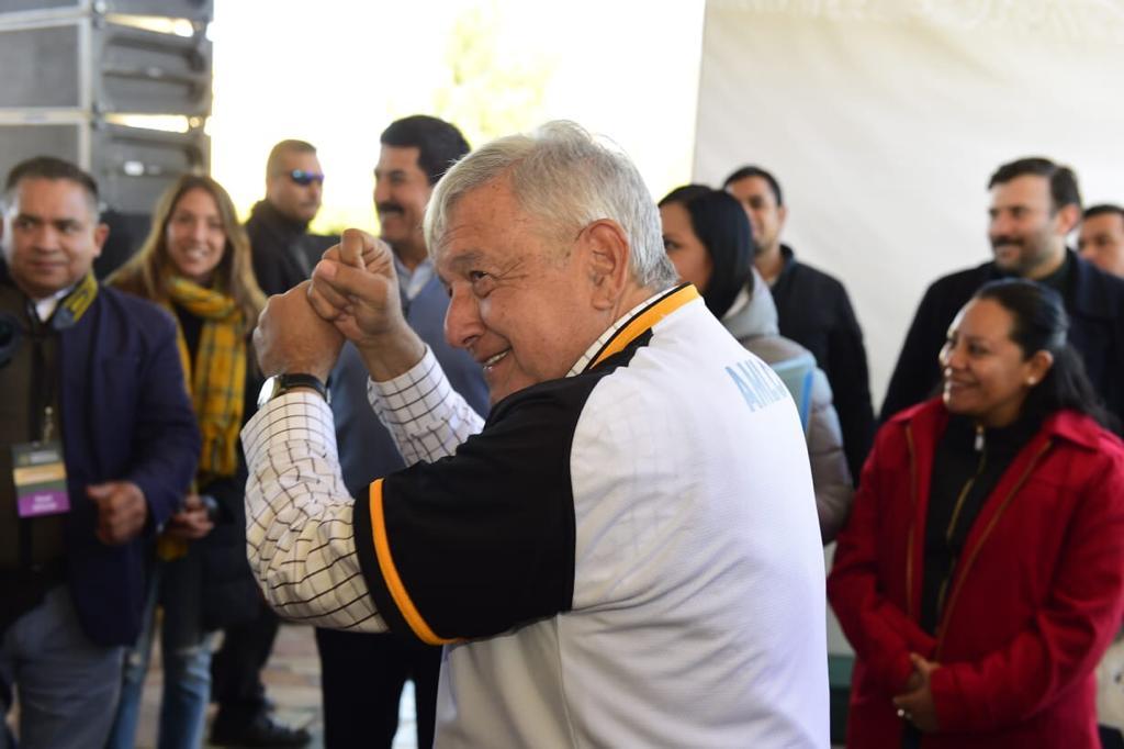 El presidente de México, Andrés Manuel López Obrador, durante el evento de acciones para el Bienestar de Chihuahua  Programas y Tandas para el Bienestar, desde Nuevo Casas.