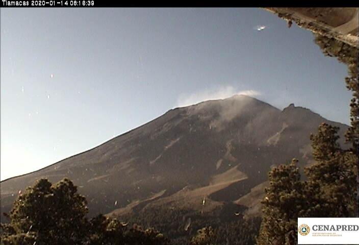 Por medio de los sistemas de monitoreo del volcán Popocatépetl se identificaron 136 exhalaciones, 224 minutos de tremor y 3 sismos volcanotectónicos.