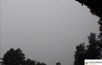 Por medio de los sistemas de monitoreo del volcán Popocatépetl se identificaron 32 exhalaciones y 75 minutos de tremor; durante todo el tiempo cubierto por este reporte no se ha contado con visibilidad debido a las condiciones de nubosidad.