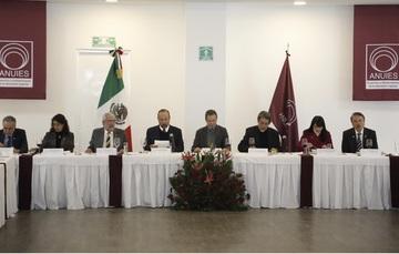Boletín No. 22 Convoca Esteban Moctezuma Barragán a las universidades del país a construir un verdadero sistema educativo nacional