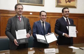 Boletín No. 24 Formalizan Educación, Hacienda y Gobierno de Michoacán la federalización de los servicios de educación básica en la entidad