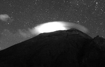Por medio de los sistemas de monitoreo del volcán Popocatépetl se identificaron 67 exhalaciones y 1030 minutos de tremor .
