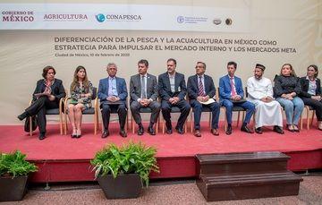 En México, más de 186 mil personas se dedican a la pesca y acuacultura, con una producción de alrededor de dos millones de toneladas y un valor comercial superior a los 41 mil 700 millones de pesos.